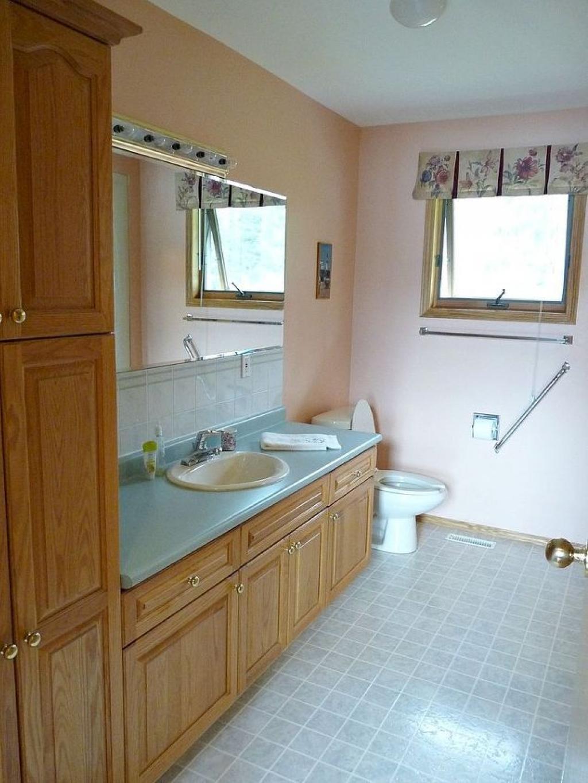 Transformer votre salle de bain avec seulement 200    les maisons