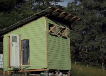 Ils n'ont déboursé que 420$ pour la construire avec des matériaux recyclés: À vous de juger!