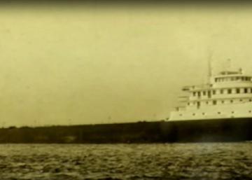 Un visionnaire achète ce vieux navire dans un but bien précis... Les voisins restent bouche bée devant cette maison inusitée!