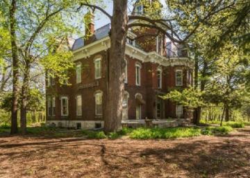Cette maison victorienne de 1879 est une véritable oeuvre d'art: Une seule visite et vous serez conquis!