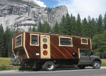 Il a toujours rêvé d'une cabane en bois rond... Ce qu'il a fabriqué est encore mieux!