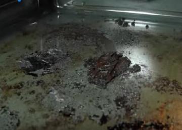 Nettoyer l'intérieur d'une cuisinière vous horripile? Vous allez adorer ce truc!