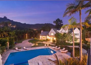 Visitez la nouvelle maison de Mariah Carey! Une résidence cossue de Beverly Hills.