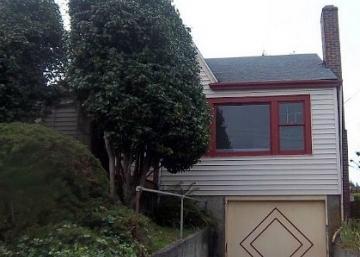 Personne ne voulait de cette maison, jusqu'à temps qu'elle soit rénovée. En voyant l'intérieur on comprend pourquoi.