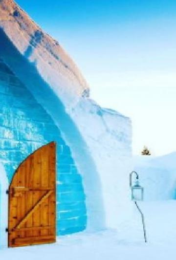 Pour une 17ième année consécutive, l'hôtel de glace de Québec reprend vie... Et nous en met plein la vue!