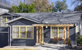 Les planchers de cette maison sont jaune moutarde, ça passe ou ça casse?