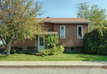 Cette maison de 185 000$ est à vendre! Son intérieur pourrait agréablement vous surprendre!