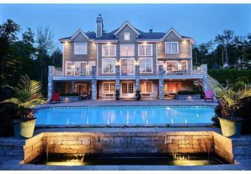 Martin Brodeur vend son immense maison, l'intérieur est digne d'un magazine!
