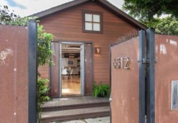 Vous serez agréablement surpris par le décor personnalisé de ce bungalow minuscule mais luxueux!