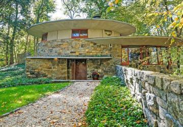 Ça vous dirait de vivre dans une maison construite par le légendaire Frank Lloyd Wright?