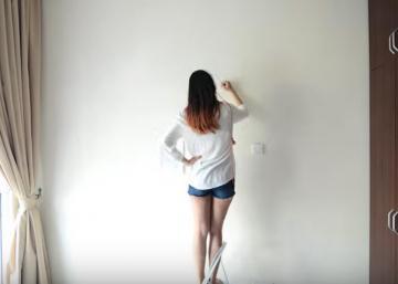 Armée d'un crayon et d'un talent incroyable, cette femme crée une murale impressionnante dans sa chambre!