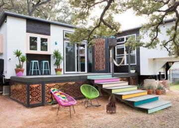 Cette Petite maison débordante de couleurs n'a rien à envier aux grands palais!