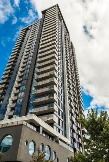 Éric Salvail a mis son luxueux penthouse de Montréal à vendre. Faites le tour du propriétaire.
