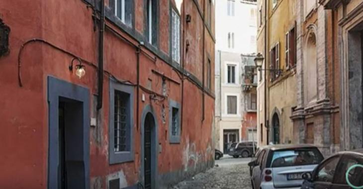 Visitez le plus petit appartement d'Italie; il n'a que 75 pieds carrés!