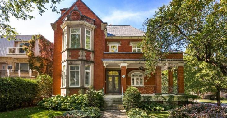 Majestueuse maison centenaire rénovée elle a beaucoup à offrir à quel prix