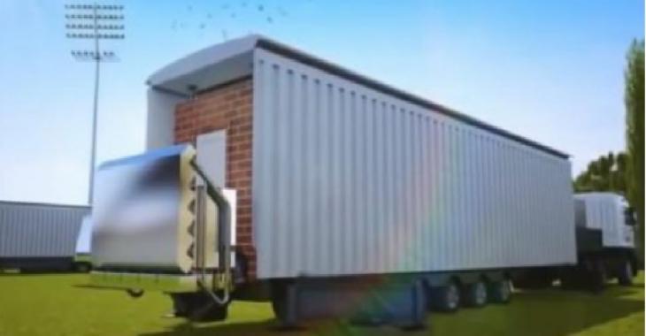 Regardez bien la métamorphose de cette boîte grise... On n'a jamais vu une maison faire cela!