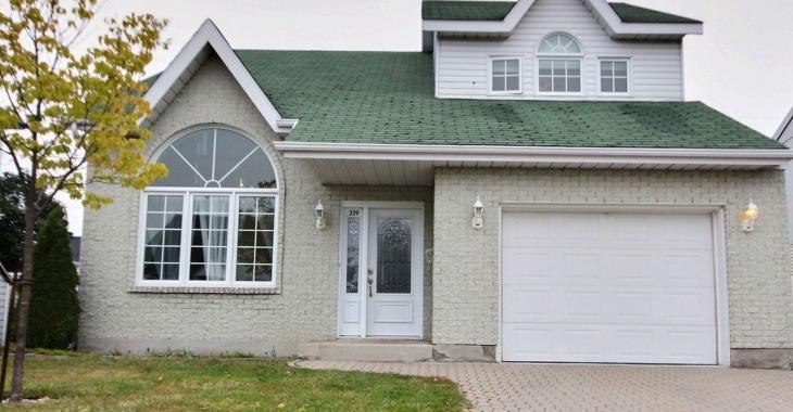 Une maison de 3 chambres, à aire ouverte, rénovée au goût du jour pour 275 000 $; oui ça existe!