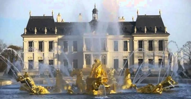 Un homme achète le Château Louis XIV pour 275 millions d'euros, l'intérieur est époustouflant