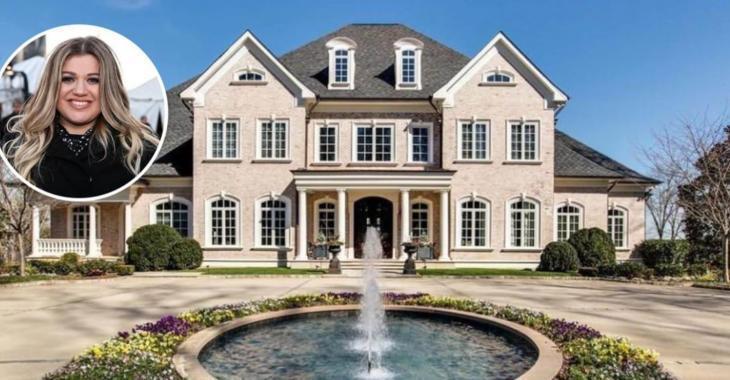 Personne ne semble vouloir acheter la maison de la chanteuse Kelly Clarkson.