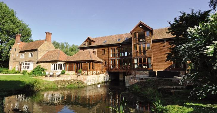 De vieux moulin historique à superbe résidence privée : voyez sa transformation!