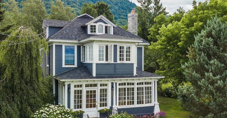 Voyez comment cette magnifique maison ancestrale a gardé son charme d'antan.