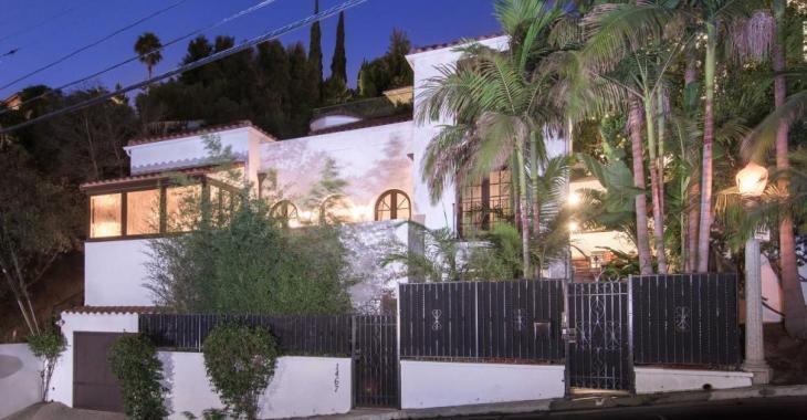 Visitez la maison à vendre de Paris Hilton.