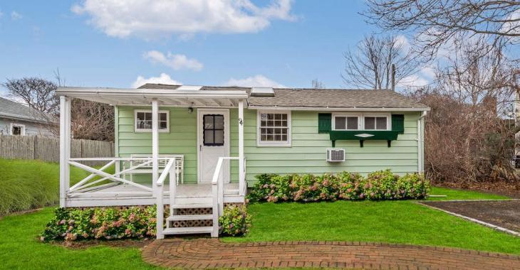 Pourriez-vous croire que cette petite maison est à vendre pour 895 000 $!