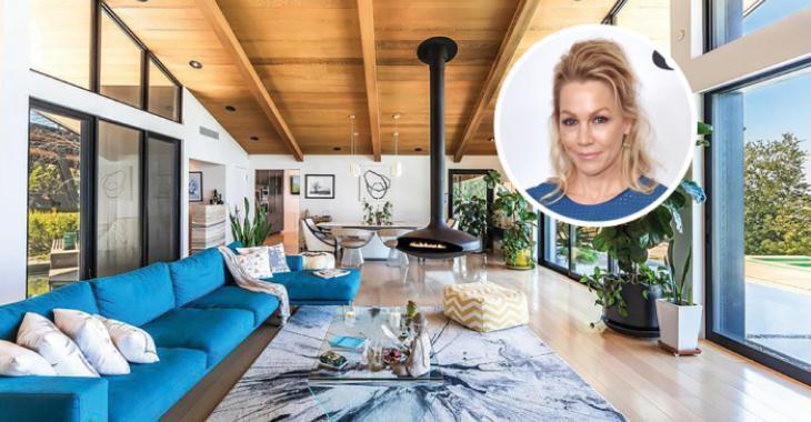 Jennie Garth demande 4 millions de dollars pour sa maison