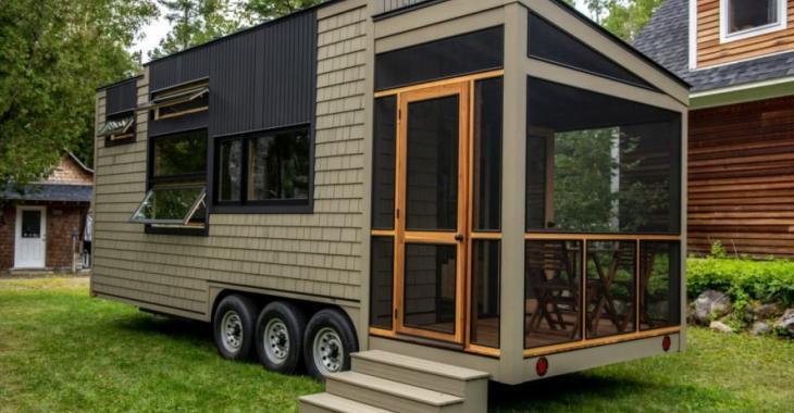 Cette mini-maison a été construite par un menuisier d'expérience qui travaille le bois depuis l'âge de 15 ans