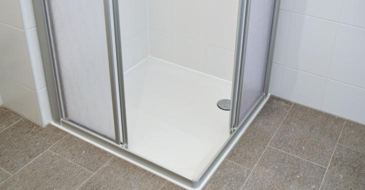 Découvrez comment nettoyer votre douche efficacement