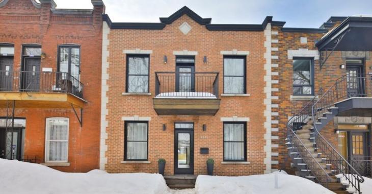 Ce duplex de 1922 a été rénové en une magnifique maison!