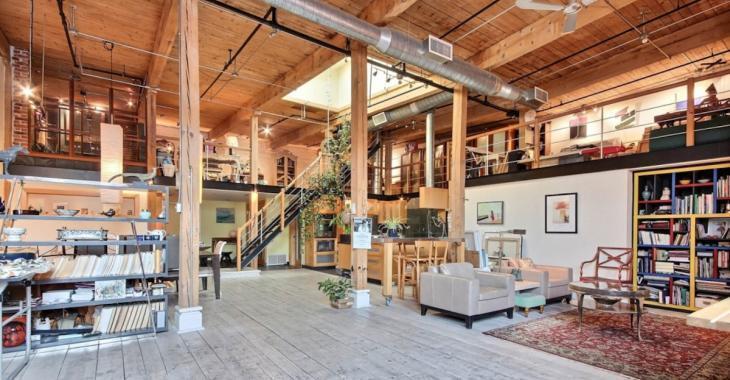 Jetez un oeil sur ce loft design à vendre à Montréal