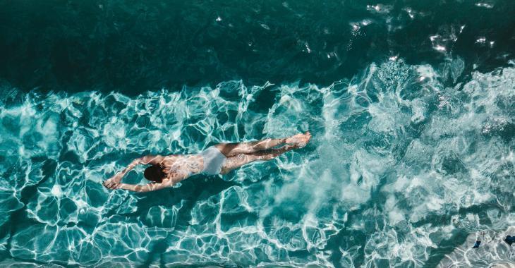 Une piscine claire comme du cristal dès le début de la belle saison