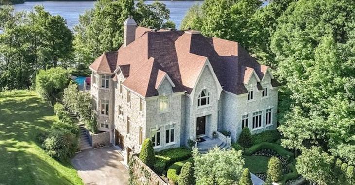 Ce petit château situé dans Ahuntsic-Cartierville est à vendre pour 5 millions!
