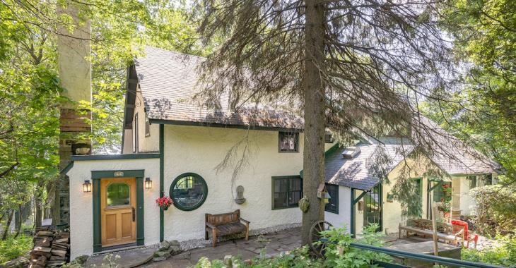 En voyant la photo de cette maison, on a du mal à deviner où elle se situe!