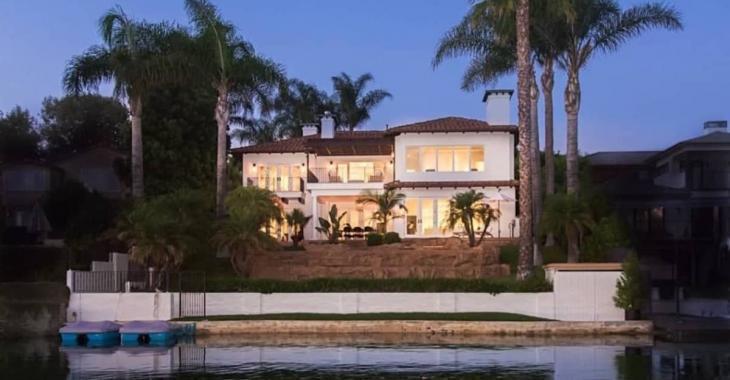 La résidence d'été de Justin Bieber est à vendre... et on est loin du petit chalet!