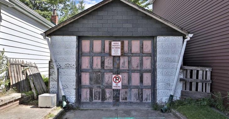 Ce vieux garage de Toronto est à vendre pour une somme faramineuse!