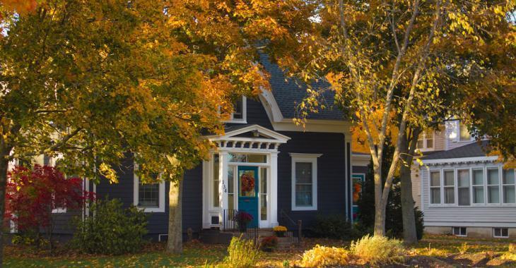 Les 12 travaux pour bien préparer votre maison pour l'automne
