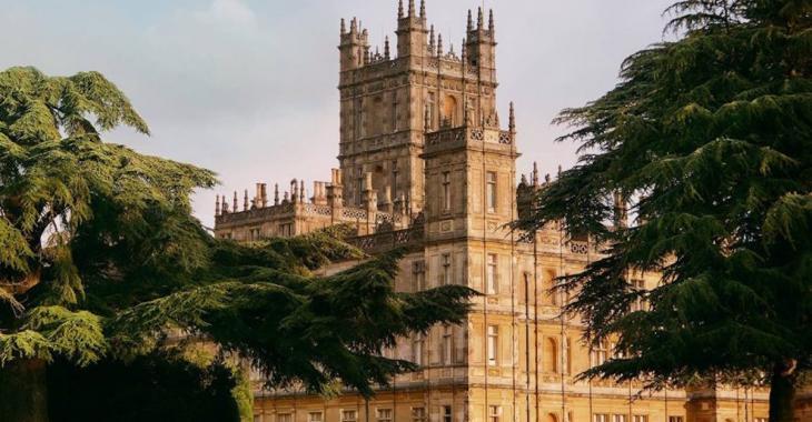 Que diriez-vous de passer une nuit dans le château de Downton Abbey?