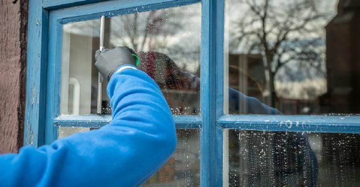 Voici la meilleure des astuces pour des fenêtres sans stries, claires comme le cristal