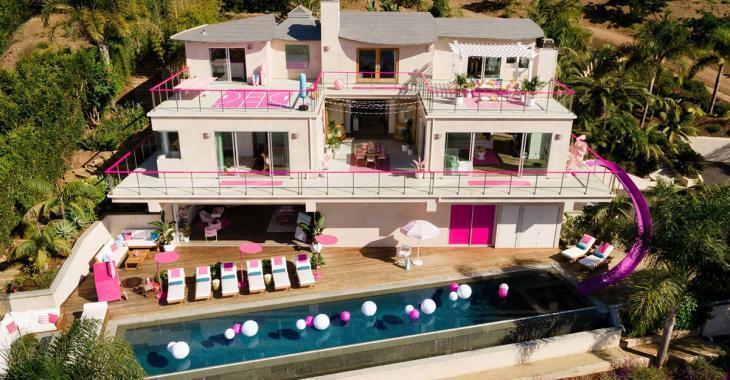 Louez la maison de rêve de Barbie pour 60$ la nuit sur Airbnb