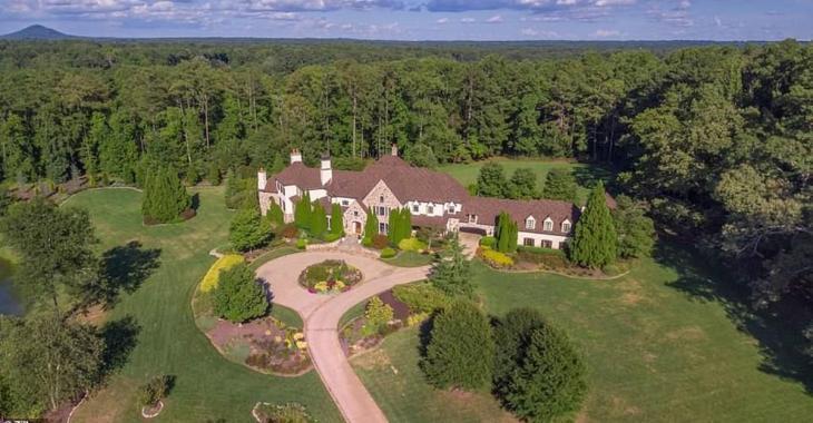 Dwayne «The Rock» Johnson s'achète une propriété de 9,5M$ en argent comptant