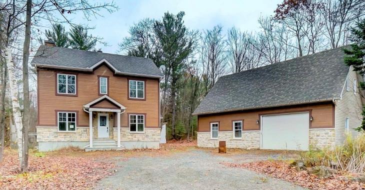 Splendide et spacieuse maison d'allure campagnarde vendue près de 50 000$ sous l'évaluation