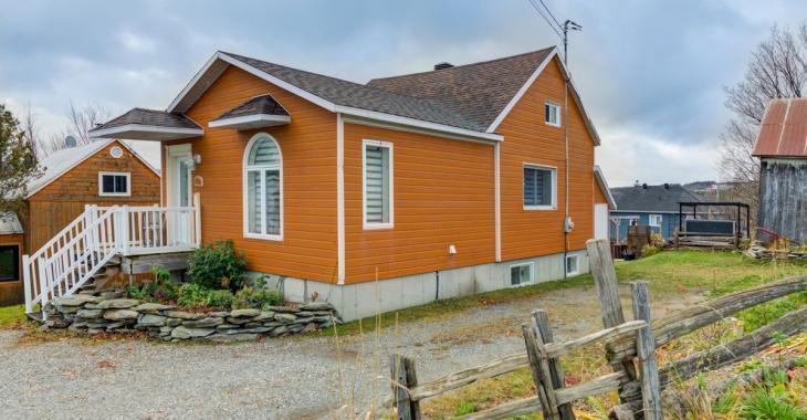 Superbe ancestrale rénovée de 3 chambres à 135 000 $
