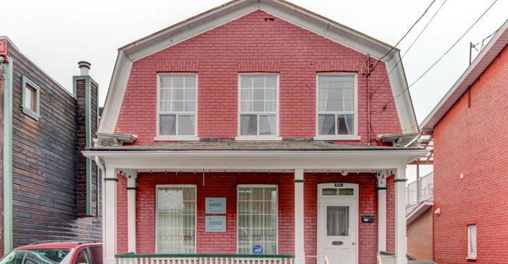 Chaleureuse maison centenaire à moins de 140 000 $ à Trois-Rivières
