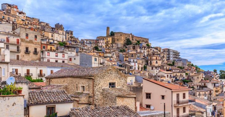 Un village de Sicile offre des maisons gratuites aux nouveaux arrivants