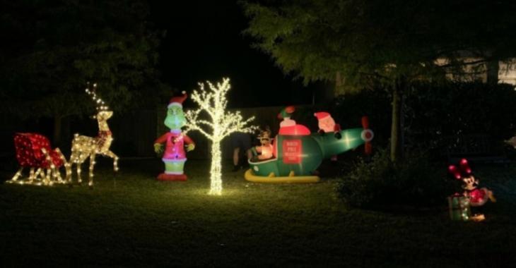 Une famille obligée de retirer ses décorations de Noël installées beaucoup trop tôt