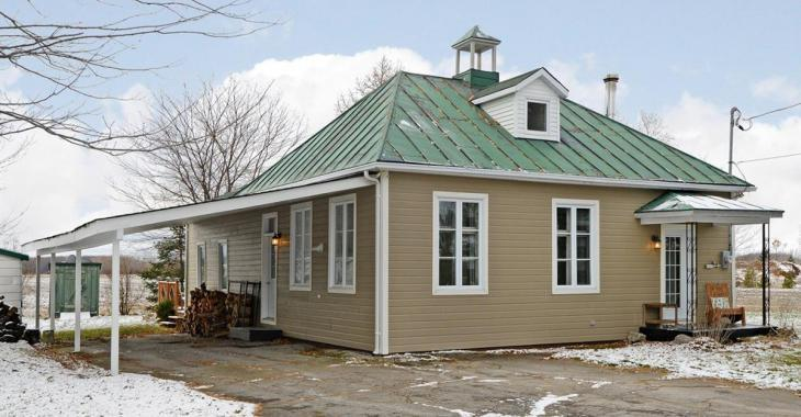 Ancienne école de rang centenaire rénovée pour 215 000 $