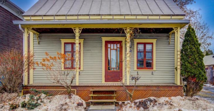 Chaleureuse maison de 1865 dans la Vallée-du-Richelieu avec un intérieur de rêve et un prix qui fait tout autant rêver