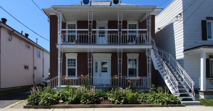 Spacieuse résidence de 10 chambres à coucher dont le prix demandé est de 115 000$